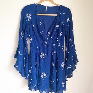 Free people floral print dress v neck size 4